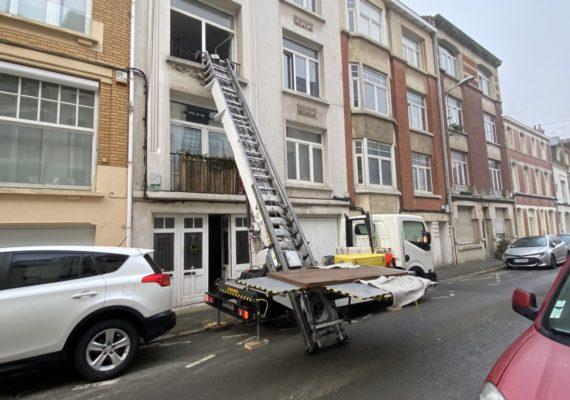 Monter un meuble,frigo par la fenêtre,balcon…. Lille et Belgique